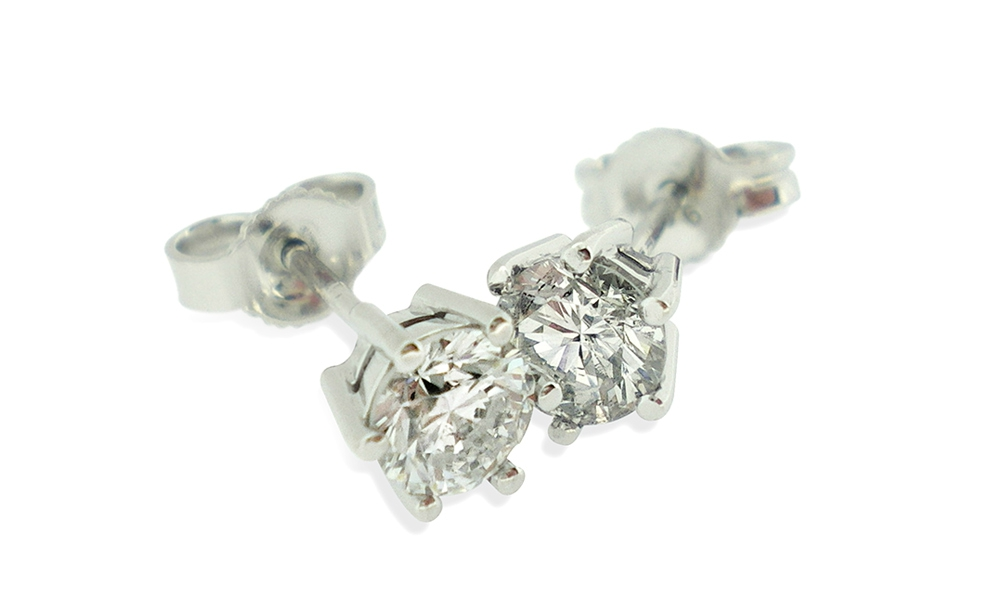 9ct-White-gold-6-claw-diamond-studs