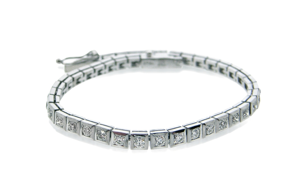9ct-white-gold-diamond-in-square-tube-tennis-bracelet